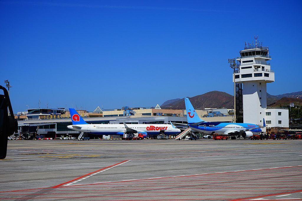 Airport_on_Tenerife