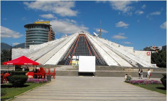 Пирамида, Тирана