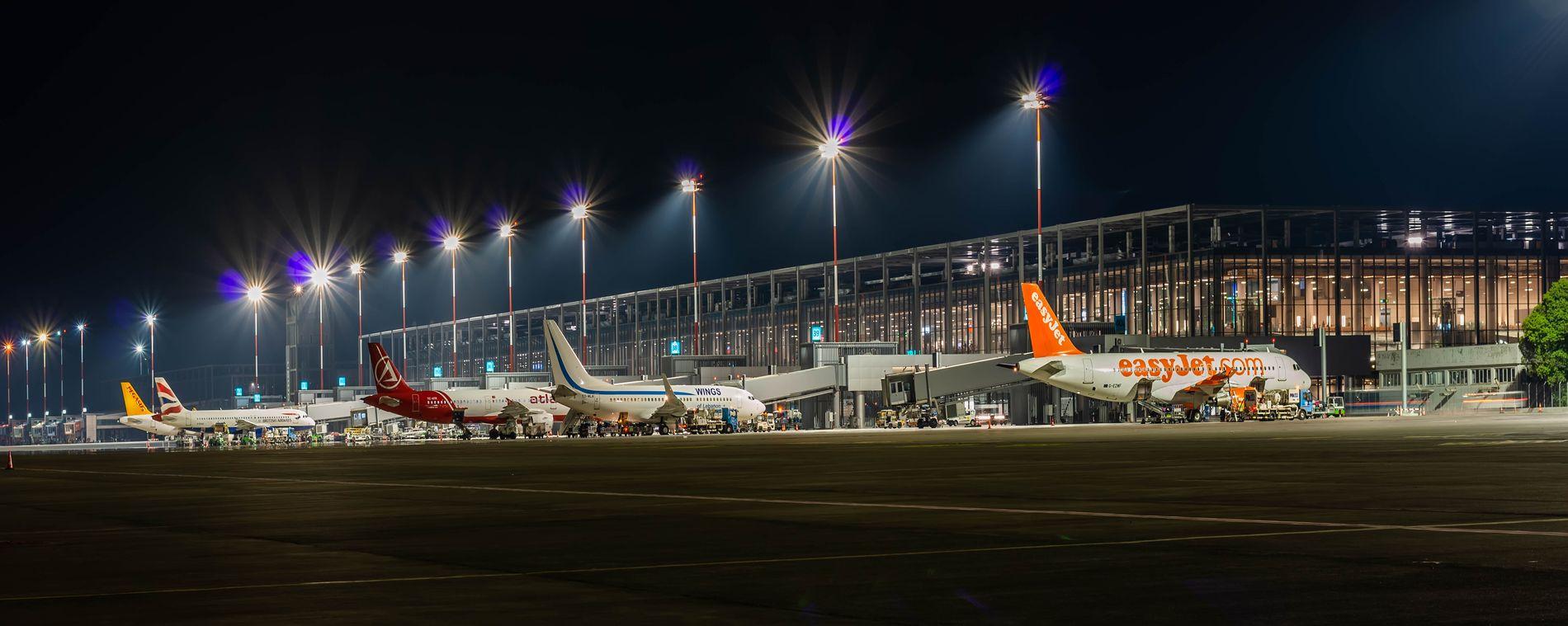 aeroport dalaman, aviakompanii