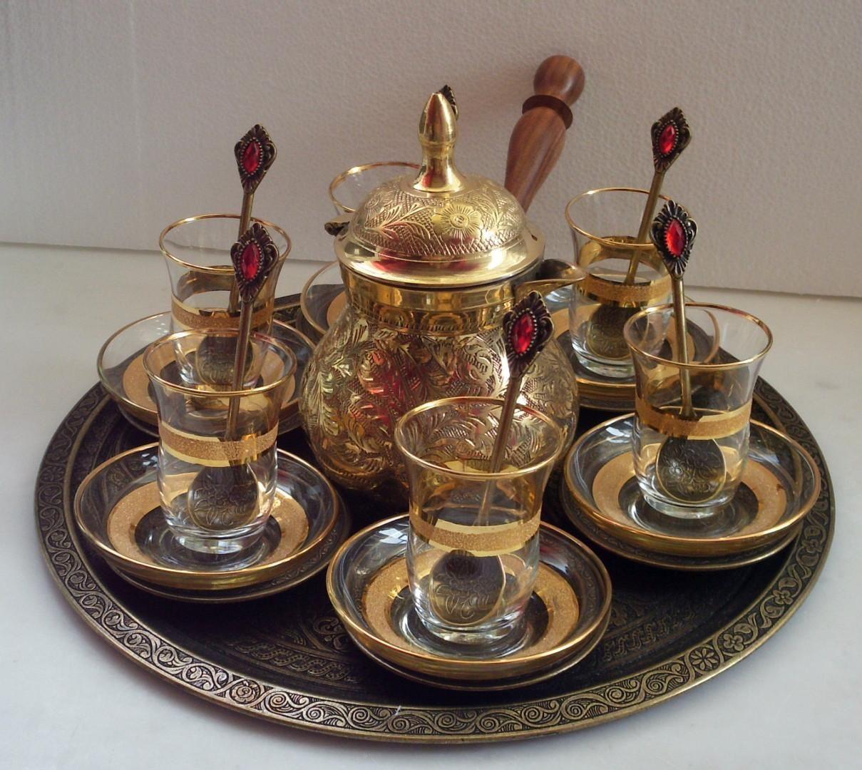 chaynyy nabor dlya tureckogo chaya