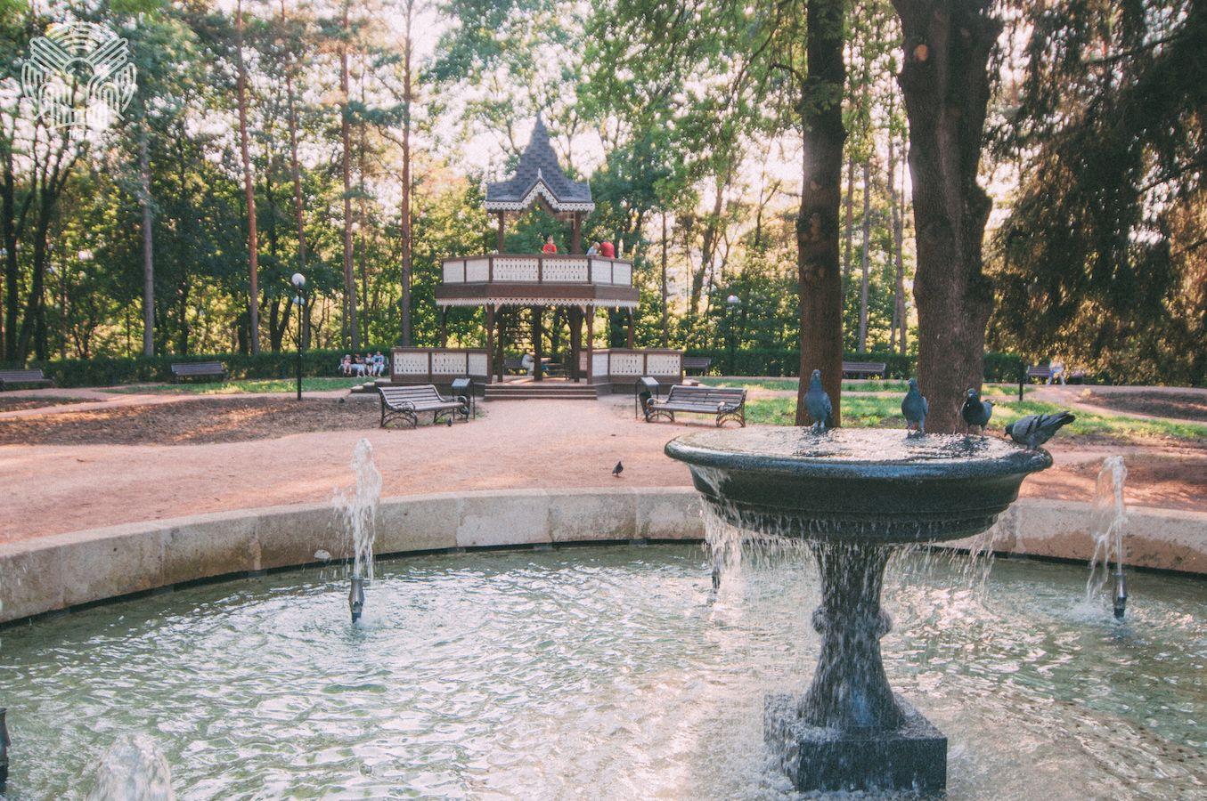 fontan na carskoy ploshchadke v kislovodskom parke